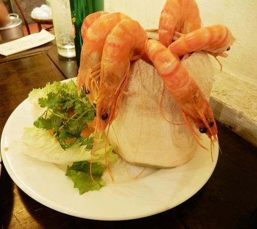 ニャーハンゴンで安くておいしいホーチミングルメ。
