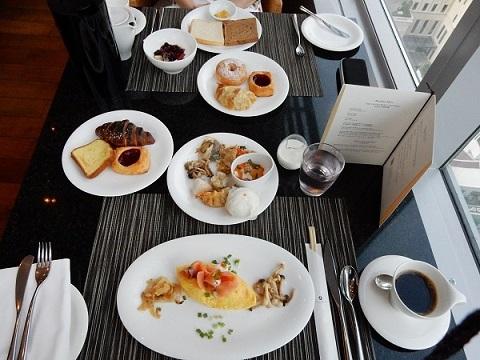 オークラバンコクの朝食が豪華!バイキングと和食が選択できるのかも